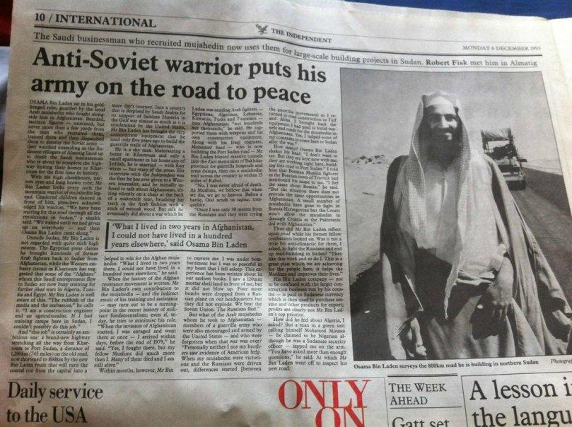 """I Usáma byl """"bojovník za svobodu."""" Legendární novinový článek z 6. prosince 1993 o hlavním pachateli 9/11 Usámovi bin Ládinovi s názvem """"Anti-sovětský bojovník nasazuje svou armádu na cestu pro mír. USA daly afghánskému mudžahedínovi Bin Ládinovi přezdívku """"Tim Osman,"""" pod kterou navštívil USA."""